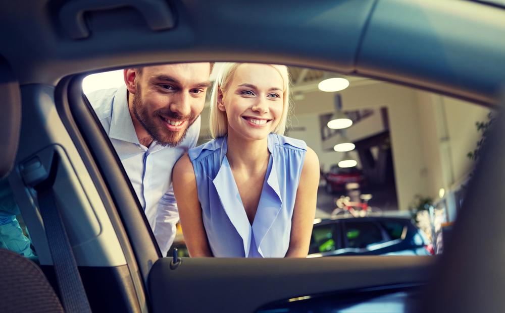 Piensa con la cabeza y no con la emoción cuando quieras comprar un auto