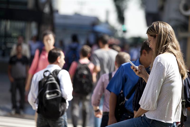 Infelicidad de jóvenes relacionado con el uso de la tecnología