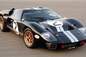 10 autos clásicos que sería un pecado modificarse