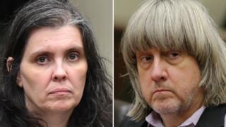Padres acusados de torturar a sus 13 hijos se declaran culpables