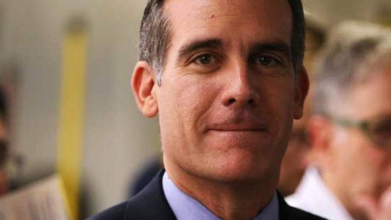 Alcalde de Los Ángeles teme que reforma fiscal de Trump perjudicará a la ciudad