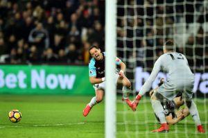 Le hacen penalti al Chicharito y West Ham empata con Crystal Palace