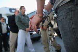 """Sheriff descubierto compartiendo secretamente información con """"La Migra"""""""