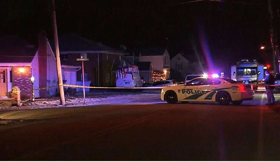 La policía acudió a la casa de los Kologi tras una llamada al 911.