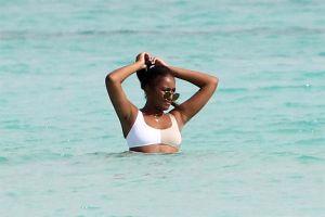 Las comentadas fotos de Sasha Obama en bikini disfrutando de Cancún