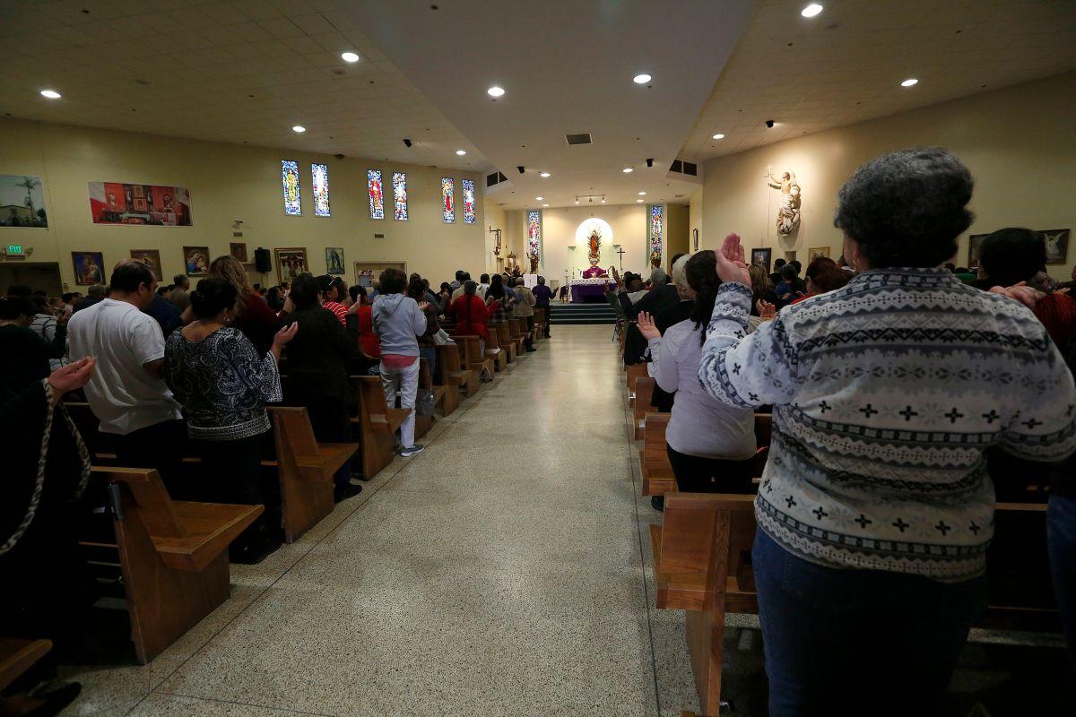 Tribunal Supremo autoriza a iglesias de California a reanudar servicios con público