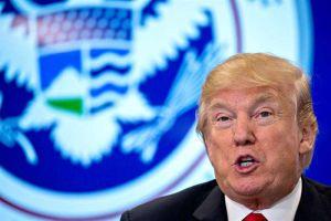"""Trump afirma que informe republicano sobre el FBI lo """"defiende totalmente"""""""