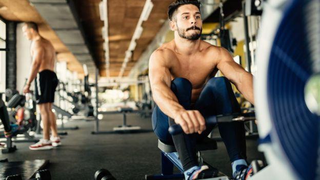 Debido a que se trata de ejercicios muy explosivos requieren que todo el cuerpo esté activado.