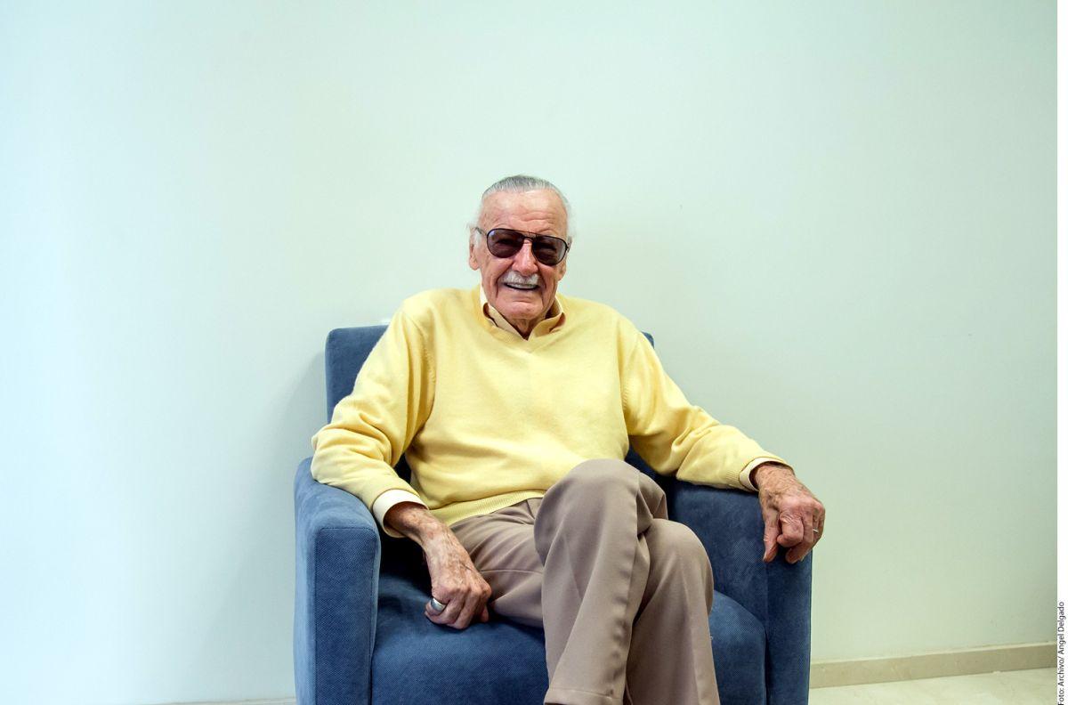 Una masajista acusa a Stan Lee de acosarla sexualmente en medio de una sesión