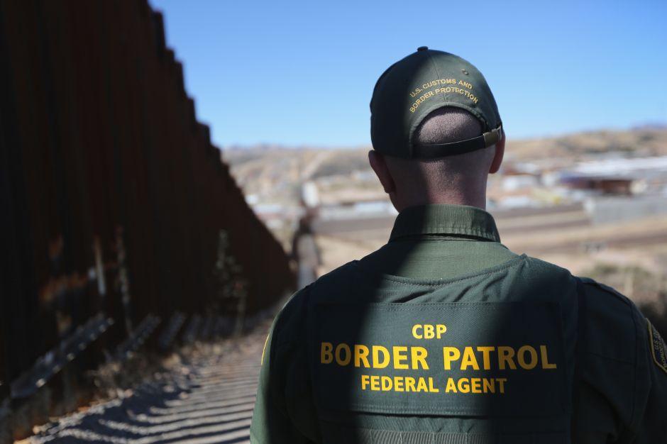 Indocumentado que trabajó como agente de 'La Migra' fue sentenciado a libertad condicional