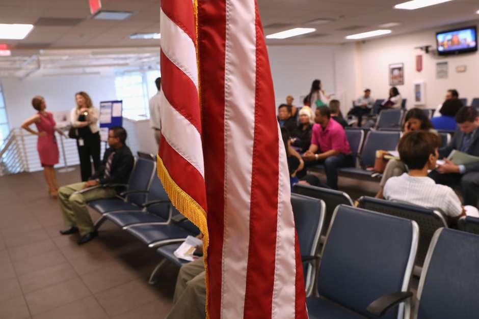 USCIS no informó el motivo por el que negó extender la visa.