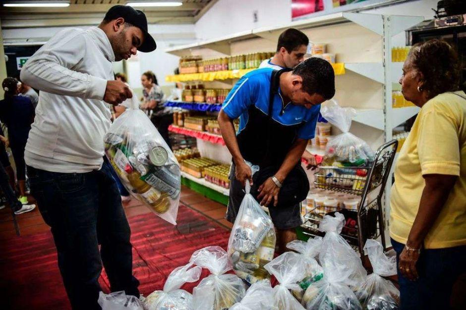 Maduro acepta la ayuda humanitaria de la Cruz Roja en Venezuela