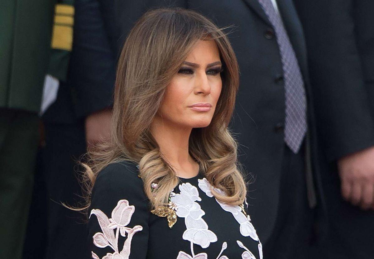 """Melania Trump desafía a su esposo al seguir a su """"peor enemigo"""" en Twitter"""