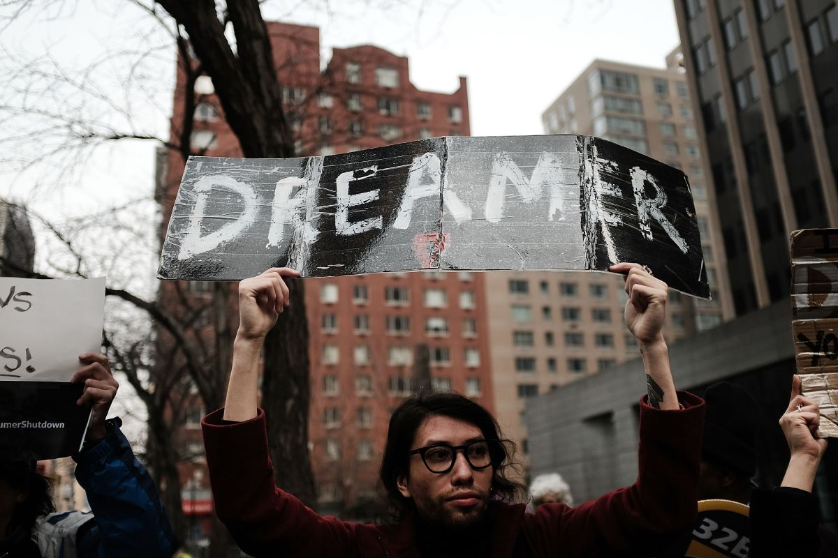 """Activistas celebran que el Tribunal Supremo no actuara sobre los """"soñadores"""""""