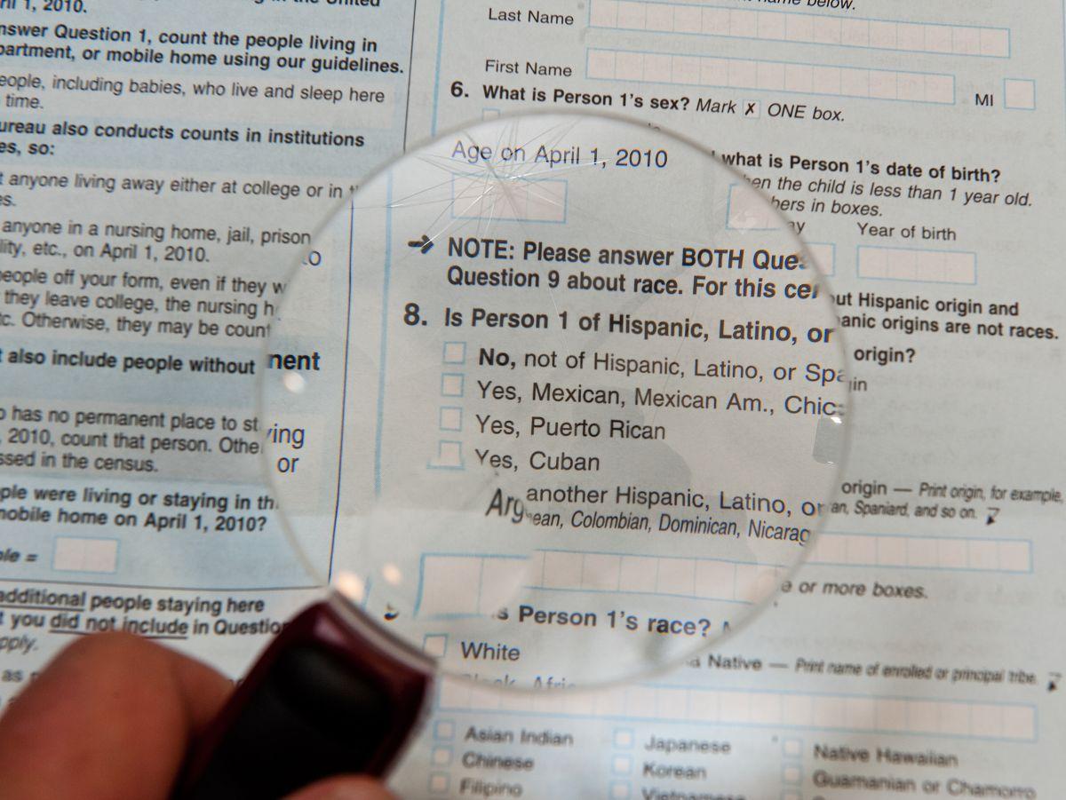 """La pregunta sobre el """"estatus migratorio"""" que gobierno Trump quiere incluir en el censo de 2020"""