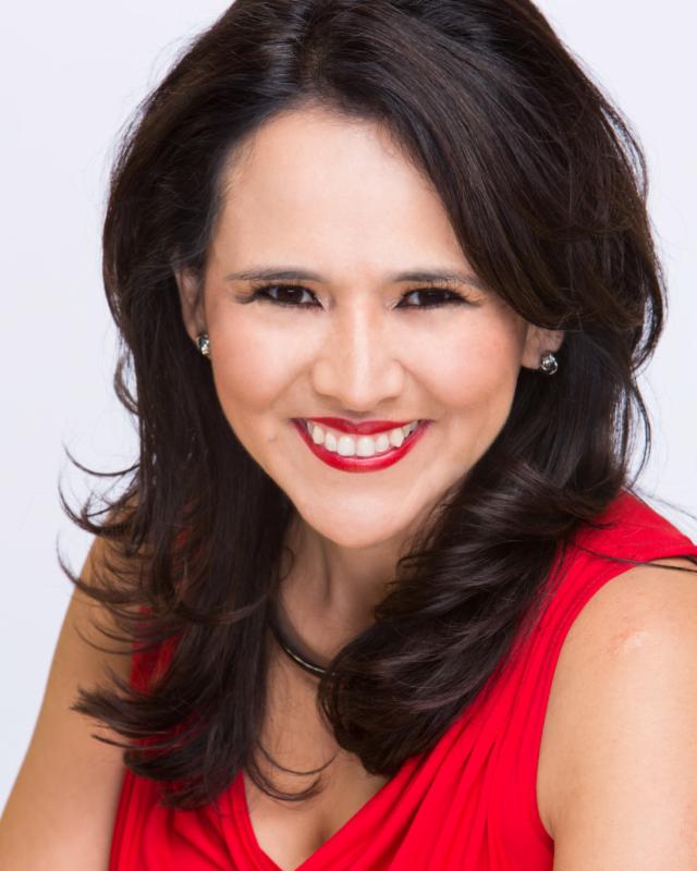 La conocida abogada de inmigración Jessica Domínguez comparte en su libro 'Mujeres Victoriosas/10 poderes para renovar tu vida y fortalecer tu fe', las experiencias de vida que le han ayudado a 'llegar donde está'.