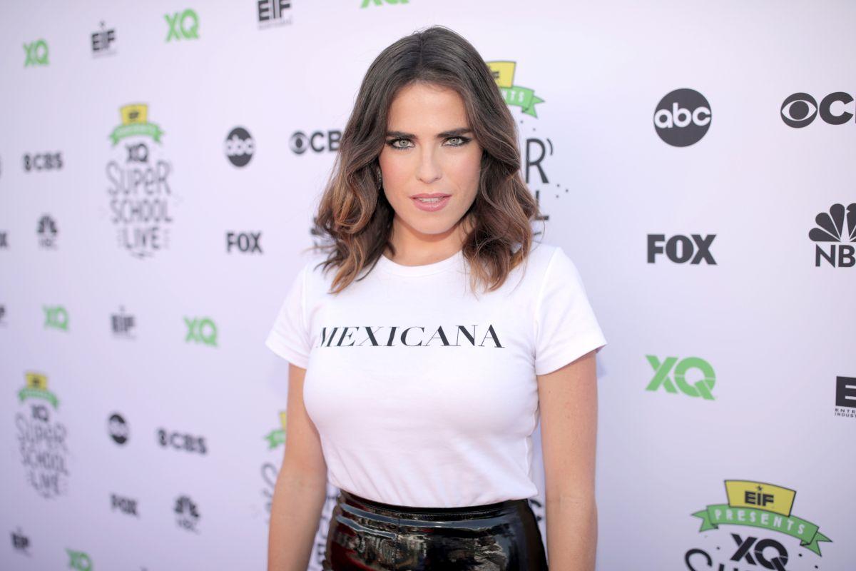 Karla Souza.