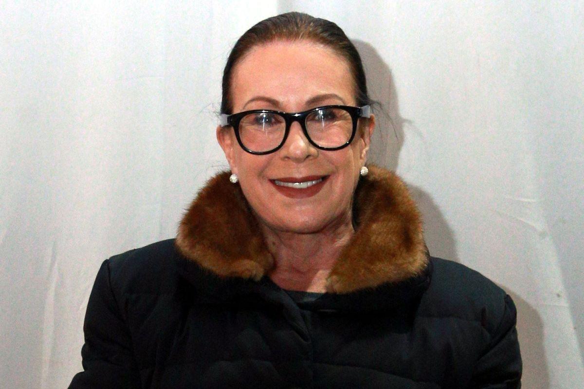 Laura Zapata, media hermana de Thalía