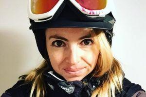 No sabe esquiar pero 'compitió' en PyeongChang: la increíble historia de Liz Swaney