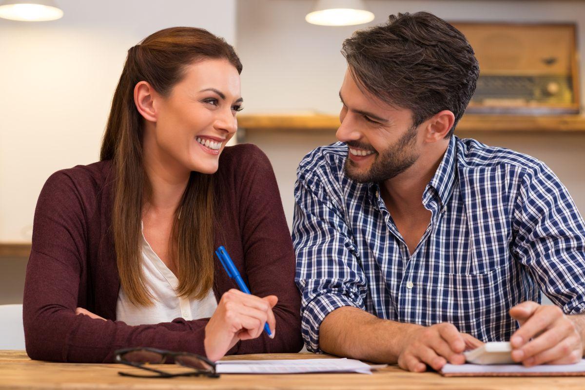 Cómo evitar que tus hábitos con el dinero acaben con tu matrimonio