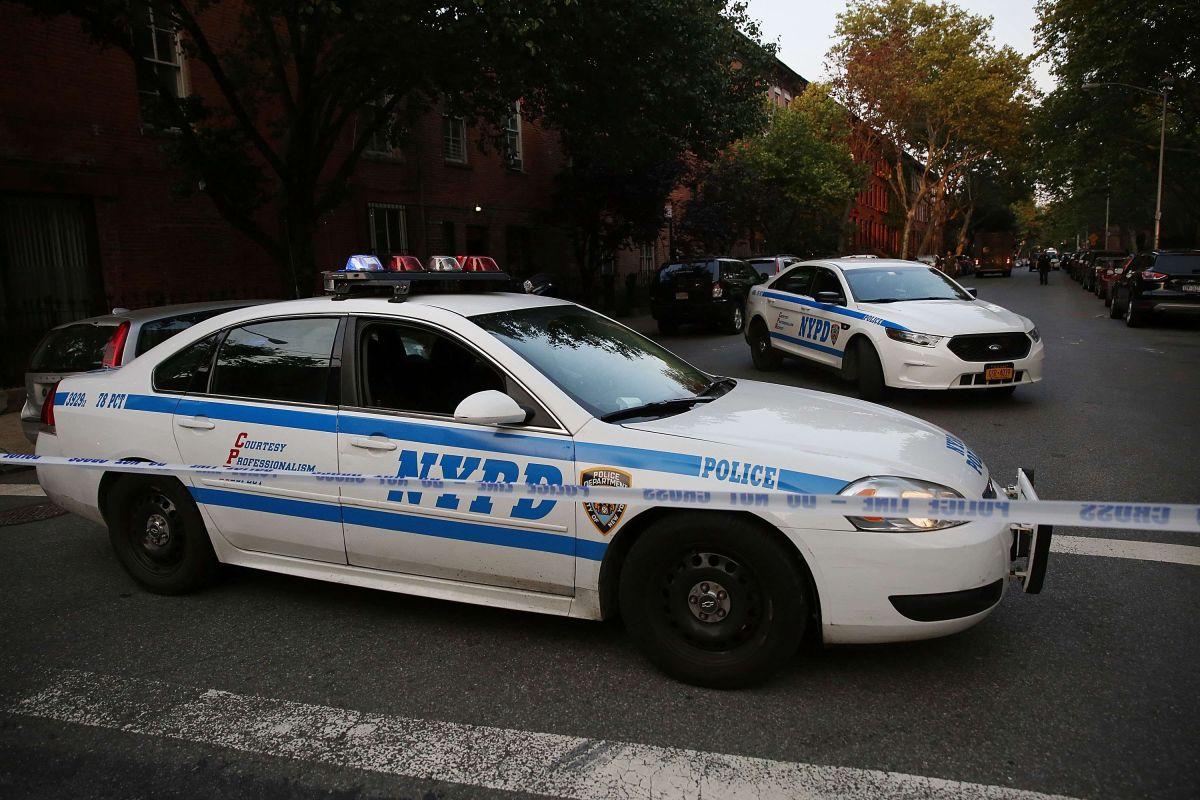 Policías de NY que violaron a una niña se excusan en que sus fotos eran provocativas