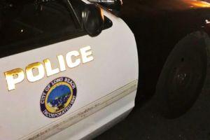 Reporte de accidente de carro en Long Beach lleva a descubrir un cadáver
