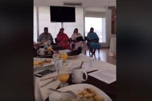 Diputados de Chihuahua desayunan ante indígenas y no los invitan, los critican en Facebook