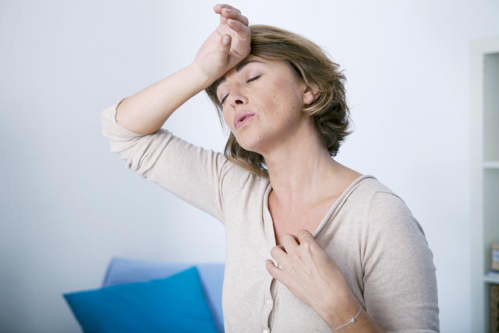 Muchas mujeres sienten temor a que les llegue la menopausia por todo lo que esta supone.