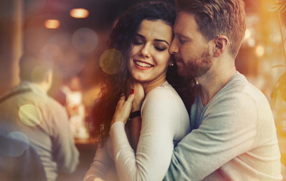 El que haya diversidad de sitios para una cita también influye en esa posibilidad.
