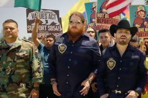 Video: 'Soldado Latinoamericano' de Voz de Mando, el himno de los inmigrantes