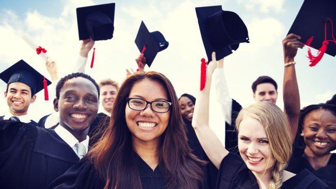 Los Ángeles apoya proyecto de ley de dos años gratuitos en universidades