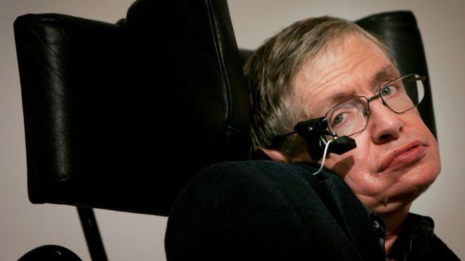 El sistema que le dio una voz a Hawking fue creado específicamente para él.