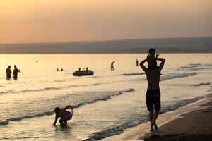 Demanda de multimillonario conllevaría privatización de playas en California