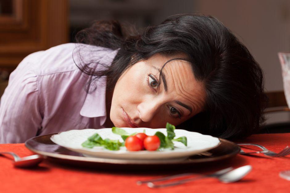 ¿Cuántas calorías debes comer por día para realmente bajar de peso?
