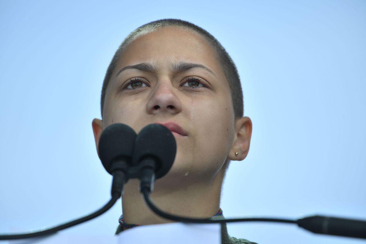 La representante estudiantil Emma González ofreció un discurso el sábado que conmovió a la multitud de la Marcha por Nuestras Vidas.