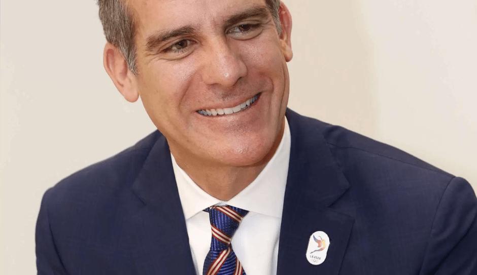 Lanza alcalde de Los Ángeles esfuerzo para conectar talento latino con Hollywood