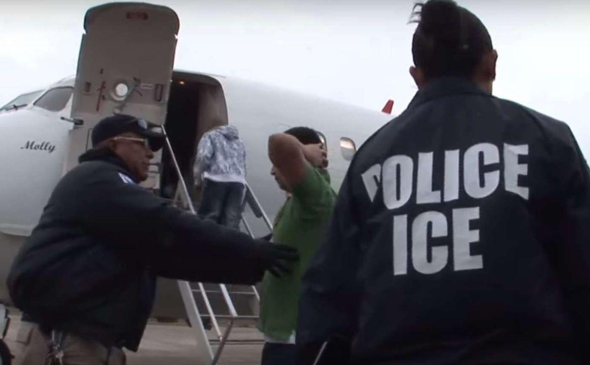 Inmigrantes que cometan esta mentira podrían terminar deportados