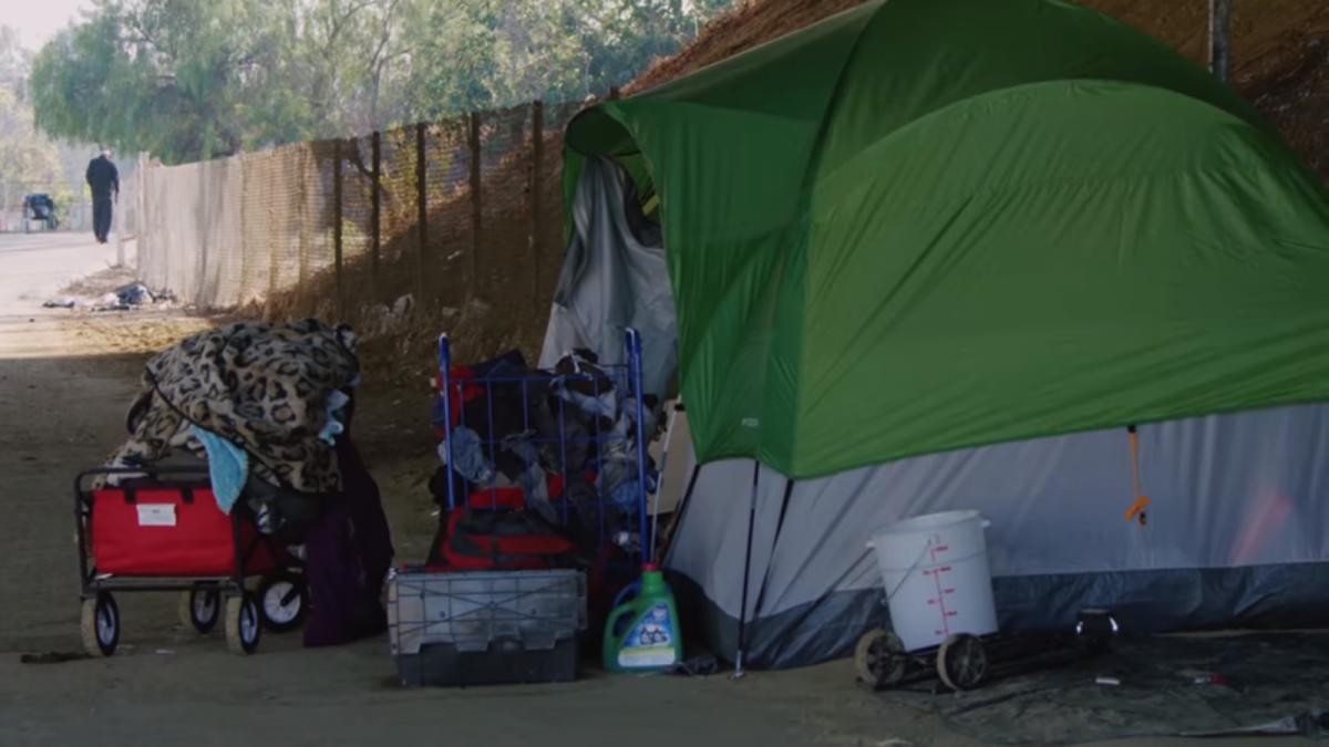"""""""Juntos, tenemos una oportunidad real de sacar a nuestros vecinos sin hogar de las calles para siempre"""", dijo la presidenta de United Way"""