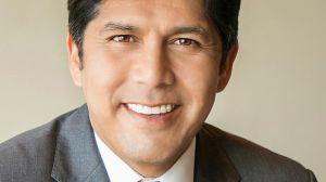 Presidente del Senado de California deja su puesto con mirada fija en Washington