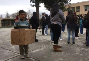 Leonardo Aguilar, el pequeño que se manifestó a favor del control de armas