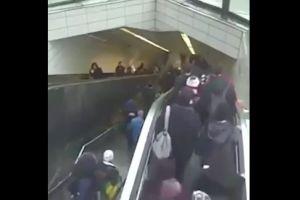 """Video: Hombre es """"tragado"""" por unas escaleras eléctricas"""