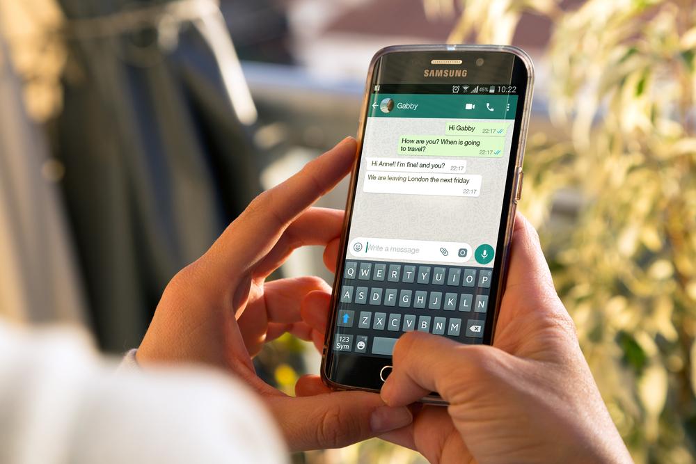 En WhatsApp se pueden tener buenos modales.