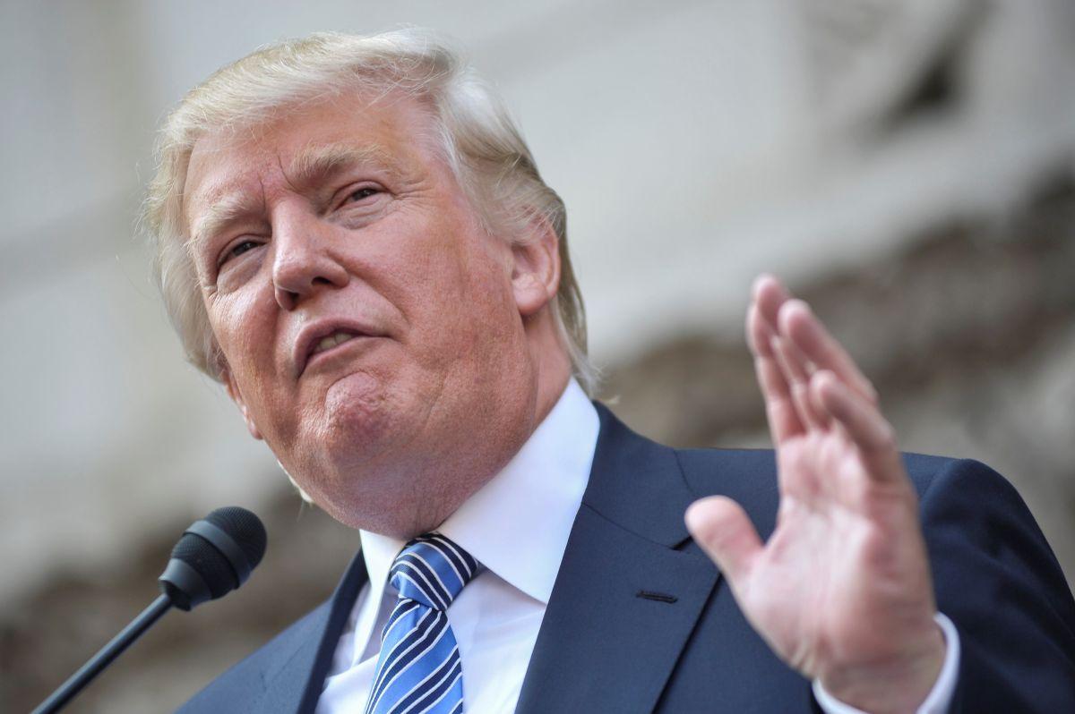 Trump presume del reemplazo de una valla fronteriza como si fuera nuevo muro