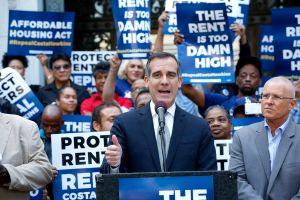 El alcalde de Los Ángeles se une a defensores del  control de la renta