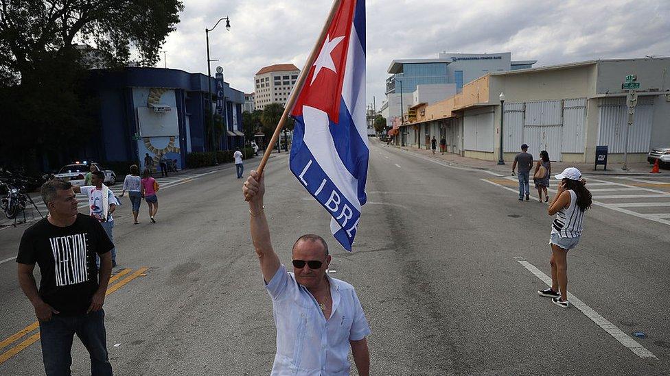 """""""Han elegido un monigote"""": así ven los cubanos de Miami la nueva presidencia de Díaz-Canel en Cuba"""