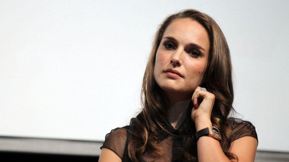 Natalie Portman se defiende ante quienes la llaman 'hipócrita' por su acto de reivindicación en los Óscar