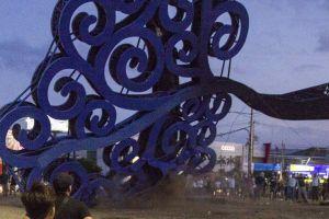 """Qué significan los """"árboles de la vida"""" y por qué los manifestantes en Nicaragua los están derribando"""