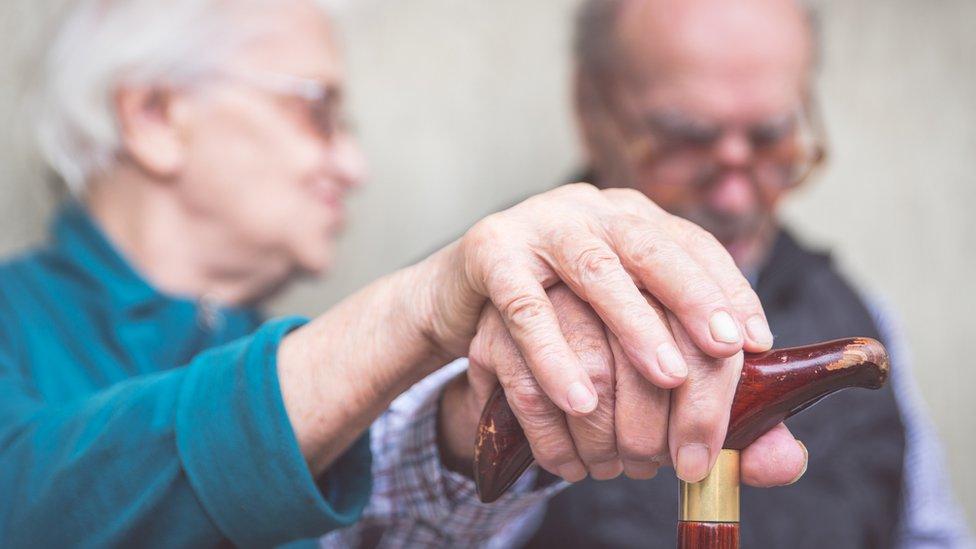 Cuáles son los medicamentos asociados a un mayor riesgo de demencia