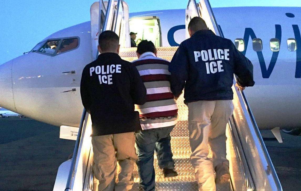 La ley de los 10 años de inmigración podría cancelar la deportación. ¿Cómo funciona?