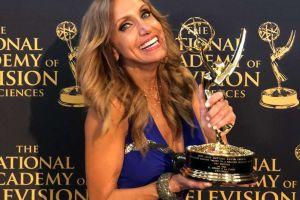 Lili Estefan gana su primer Daytime Emmy y mira a quién se lo dedica